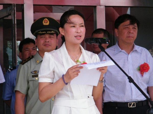most-ruthless-demolition-female-deputy-major-dismissed-chinese-netizen-reactions-04