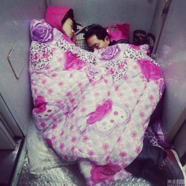 china-chinese-sleeping-train-passengers-l199-spring-festival-chun-yun-01