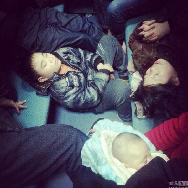 china-chinese-sleeping-train-passengers-l199-spring-festival-chun-yun-12