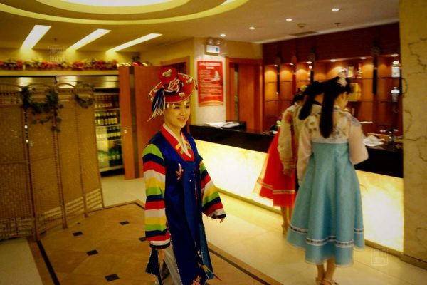 North Korean restaurant is a show field of national costume