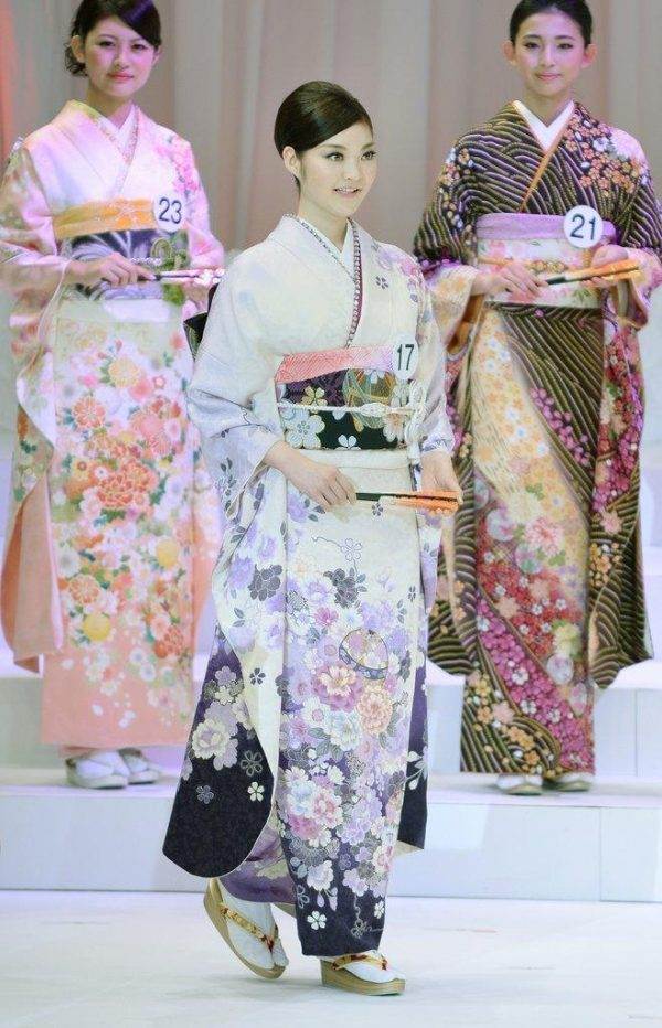 2014 January 25 local time, Tokyo, Japan, 21-year-old student Rira Hongo won the 2014 Miss [International] Japan beauty pageant. The 2014 Miss International Beauty Pageant will be held on November 11th.