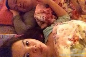 Mistress Li Shanshan in bed with Liu Zhiyuan, a Henan People's Congress representative.