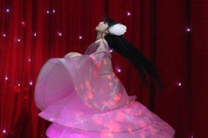 Xiao Caiqi performing at the 2014 Spring Festival Gala, where she spun around twirling nonstop for 4 hours.