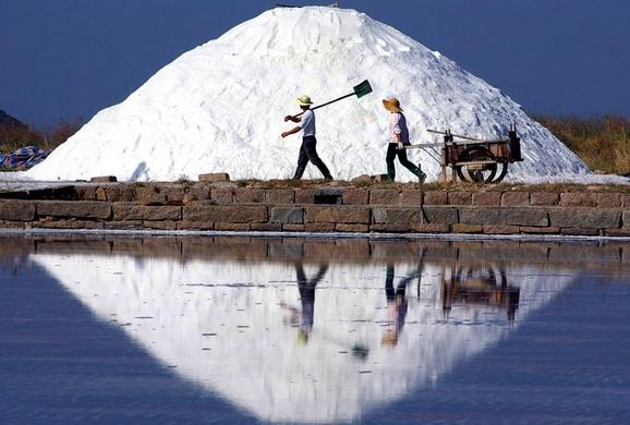 china-salt-monopoly-corruption-01