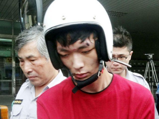 Zheng Jie, apprehended for the killing 4, and injuring over 20 people on the Taipei MRT.(photo by NOW news)