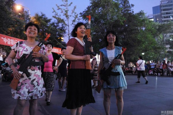 beijing-chinese-aunties-fight-imperial-japanese-devils-toy-guns-street-performance-16