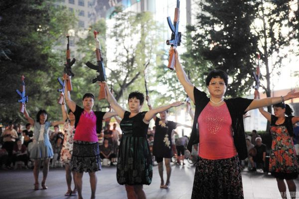 beijing-chinese-aunties-fight-imperial-japanese-devils-toy-guns-street-performance-18