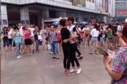 chengdu-china-gay-kissing-competition-05