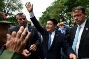 chinese-billionaire-chen-guangbiao-new-york-charity-lunch-03
