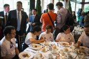 chinese-billionaire-chen-guangbiao-new-york-charity-lunch-22