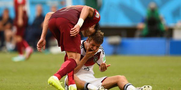 Pepe headbutting Muller.