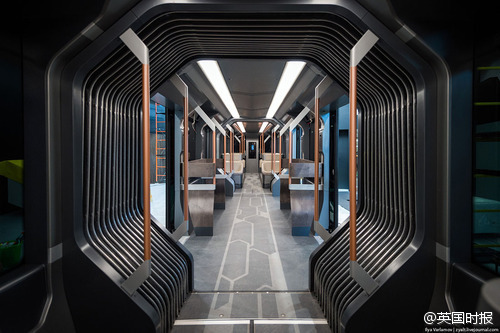 futuristic-russian-subway-tram-04