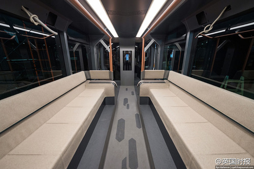 futuristic-russian-subway-tram-06