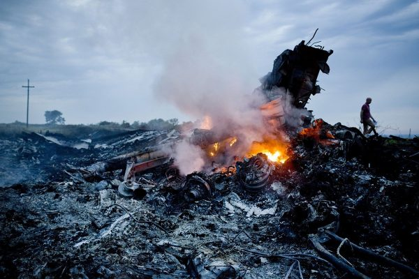 malaysia-airlines-mh17-shot-down-over-ukraine-crash-03