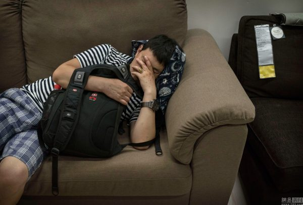 sleeping-chinese-at-ikea-beijing-china-10