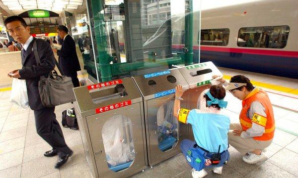 japanese-public-sanitation-waste-garbage-trash-disposal-sorting-03
