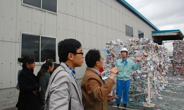 japanese-public-sanitation-waste-garbage-trash-disposal-sorting-06