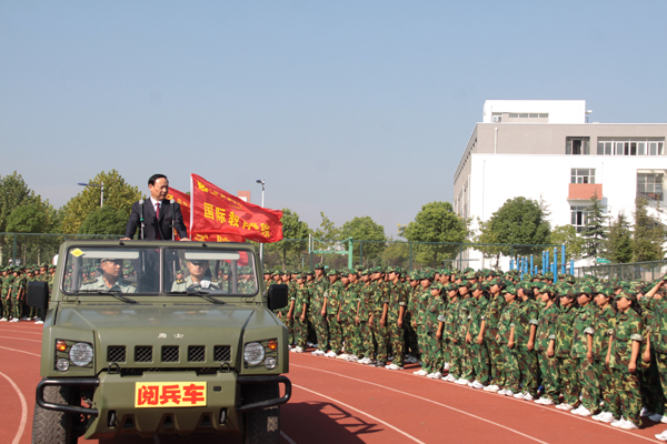chinese-principle-in-black-audi-inspects-students-in-military-parade-04