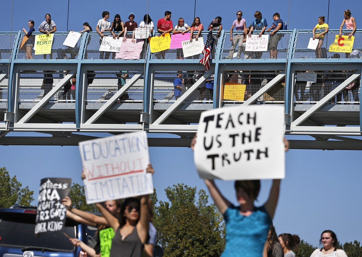 denver-united-states-students-protest-history-curriculum-textbook-changes-03