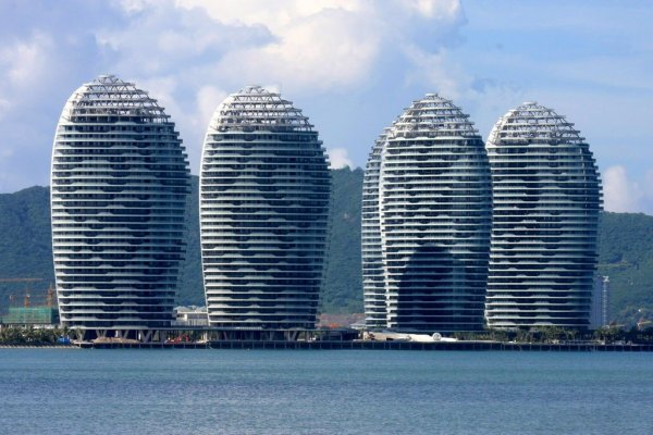 Strange-and-Ridiculous-Buildings-In-China-06