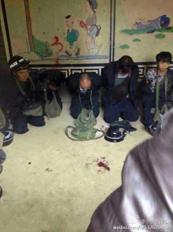 Yunnan-villagers-burn-to-death-forced-demolition-crew-03