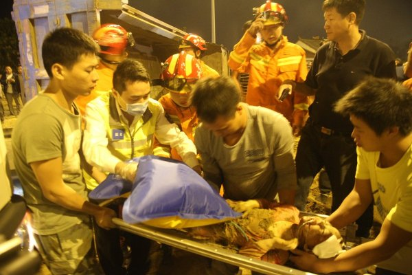china-zhejiang-good-samaritan-ends-up-saving-own-daughter-01