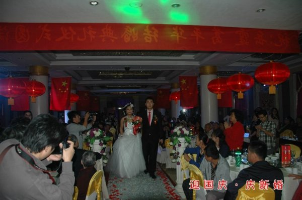 shanxi-china-chinese-mao-style-red-wedding-11