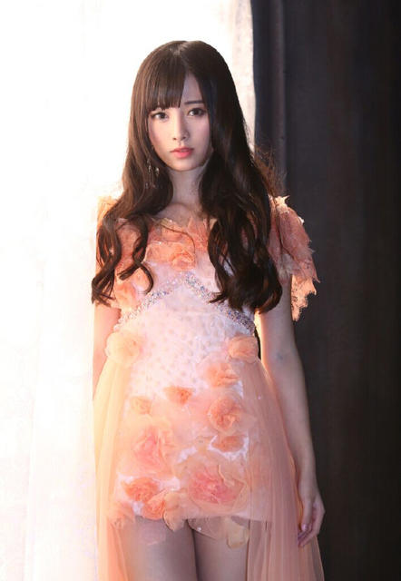 AKB48-Sister-Group-SNH48-Member-Voted-Hottest-in-China-by-Japan-04