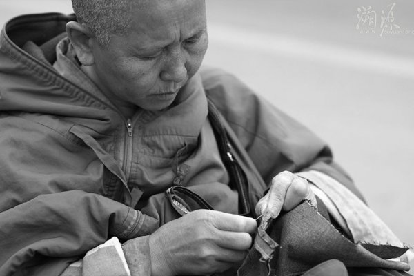 Devout-Chinese-Ascetic-Nuns-Live-Peripatetic-Life-Hardship-20