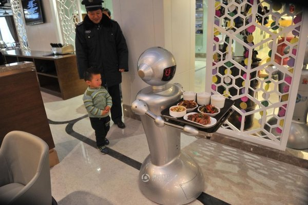 Robot-Themed-Restaurant-Opens-in-Hefei-China-08