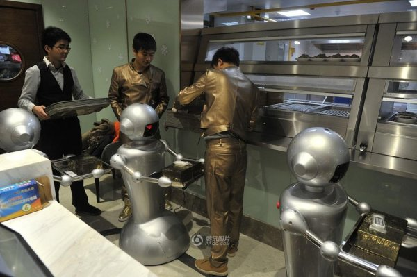 Robot-Themed-Restaurant-Opens-in-Hefei-China-10