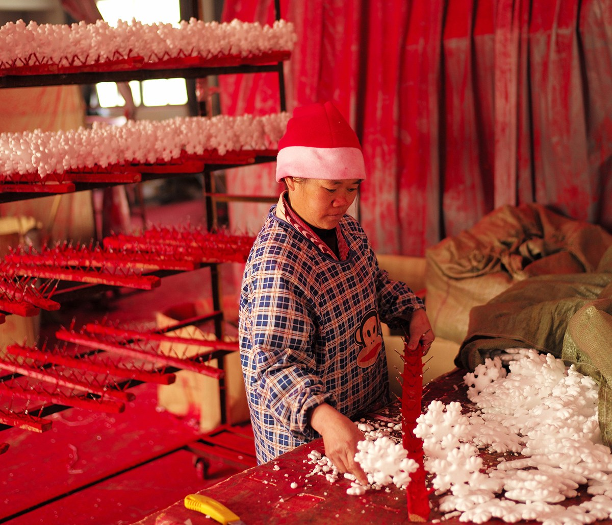 yiwu china worlds largest christmas decorations factory 09