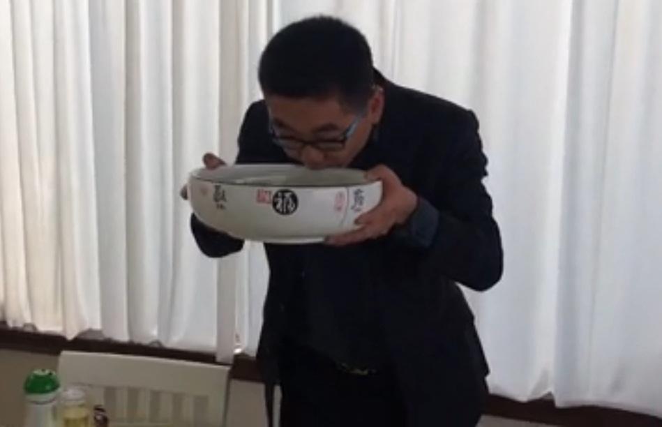 baijiu-drinking-challenge-china-viral