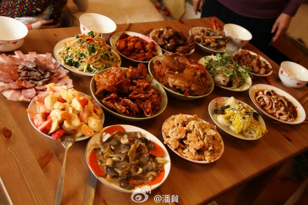 Example Chinese New Year's Eve dinner dishes.