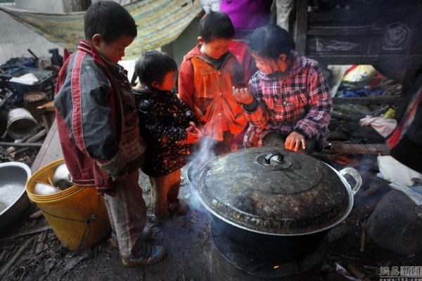 china-sichuan-couple-has-11-children-better-than-saving-money-02
