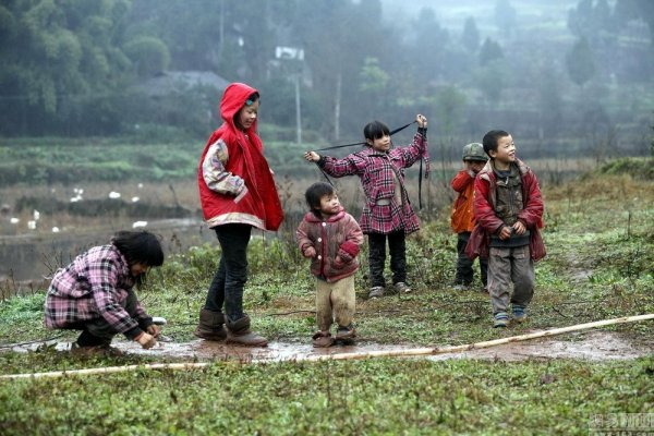 china-sichuan-couple-has-11-children-better-than-saving-money-07