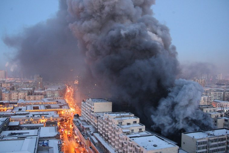 A large warehouse fire in Harbin claims the lives of multiple Chinese firefighters.