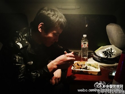 china-wuhan-police-simple-meals-09