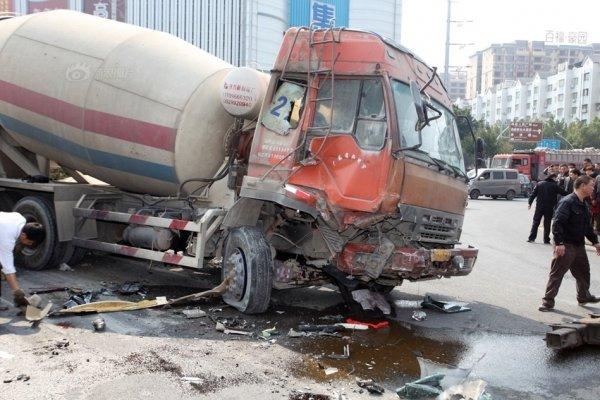 guangdong-china-cement-trucks-flatten-bmw-03