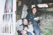 52-Year-Old Man Marries 21-Year-Old Neighbor, Live Happily