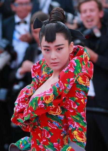 Zhang Xinyu's Cannes Red Carpet Dress Generates Spoofs