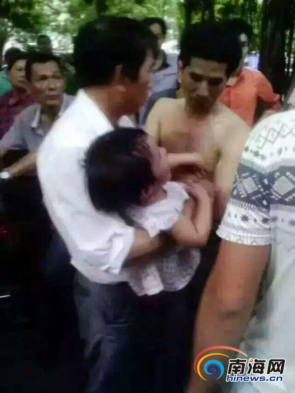 Man Attempts to Abduct Girl, Surrounded by Multitude of People